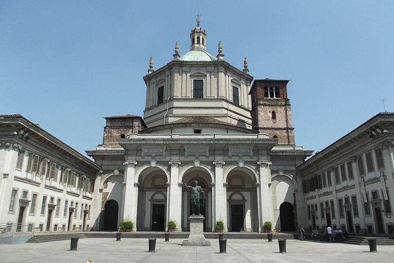 Facciata della Basilica Maggiore di San Lorenzo a Porta Ticinese, Milano