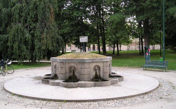 fontana acqua marscia