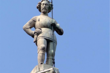 La prima guglia del Duomo